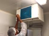 Nettoyage des évaporateurs en chambre froide