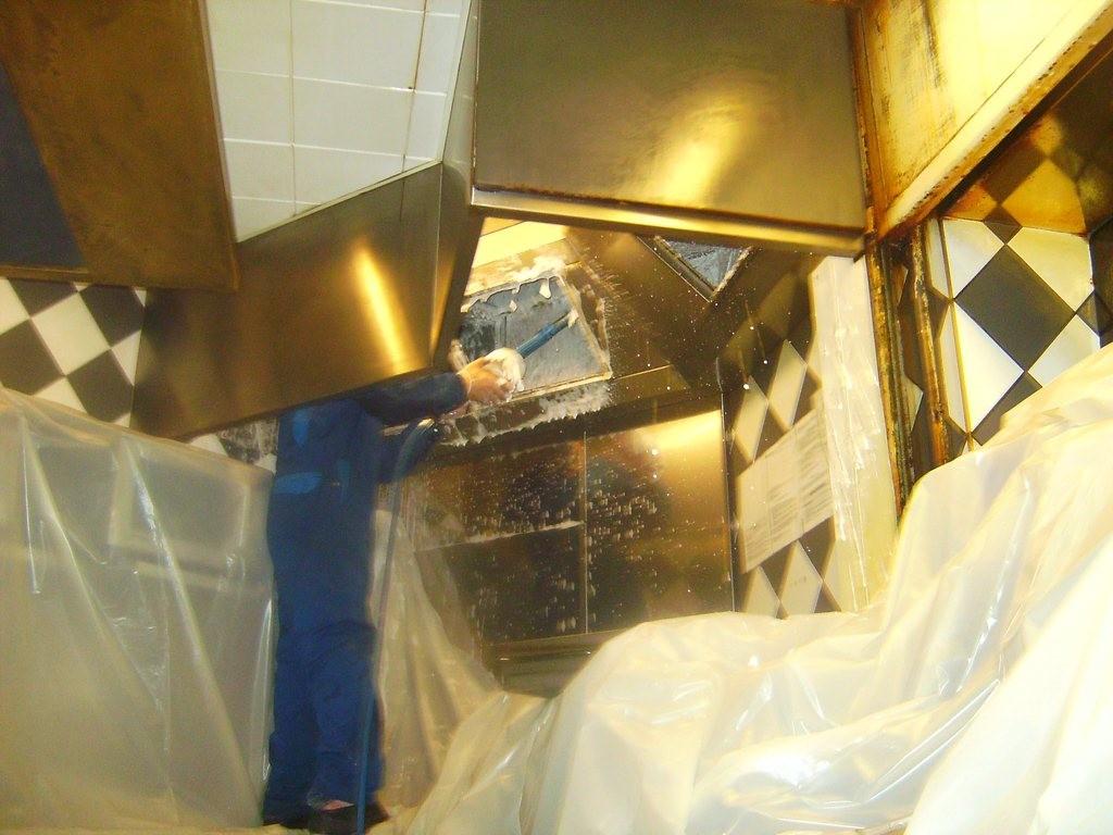 d graissage des hottes de cuisines 92 hauts de seine fha. Black Bedroom Furniture Sets. Home Design Ideas